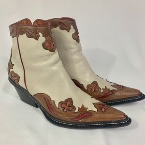 Donald J Pliner ankle boots Ivory brown 6.5
